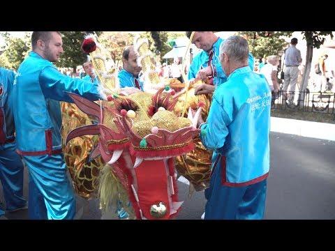 Красоту и величие Фалунь Дафа показали его последователи на карнавале в Калуге - 2018